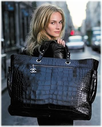 ✮ Supersized Chanel ✮awesome carry on bag for flying