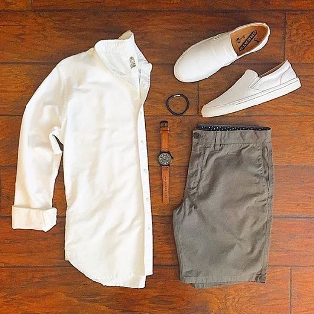 Nice summer outfit. I'm not so crazy about the watch though