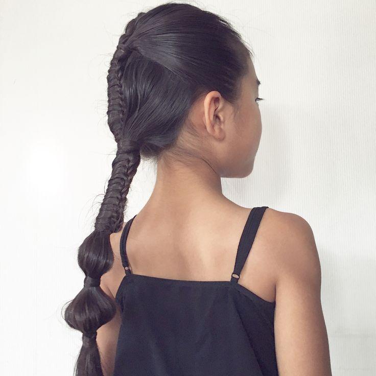 🎶▪️🎶▪️🎶▪️🎶▪️🎶▪️🎶▪️🎶▪️🎶▪️🎶 #習い事 で#きっちりヘア ♡    前髪は#表編み込み   #ハーフアップ にまとめてchinesestairecase  襟足でまとめても一度#chinesestaircase  最後は2つ#bubblebraid ♡♡ #hairforkids#girlsfashion#braidforschool#girlshairstyles#Daily#hairfortoday#braidsforgirls #braidsforlittlegirls#女の子の髪型#ヘアアレンジ#毎日の髪型#小学生#1年生#7歳#子どものヘアアレンジ#子供の髪型#キッズヘア#キッズヘアアレンジ#まとめ髪#スポーティヘア#sportybraid#sportyhair#locari_hair#chineseladderbraid