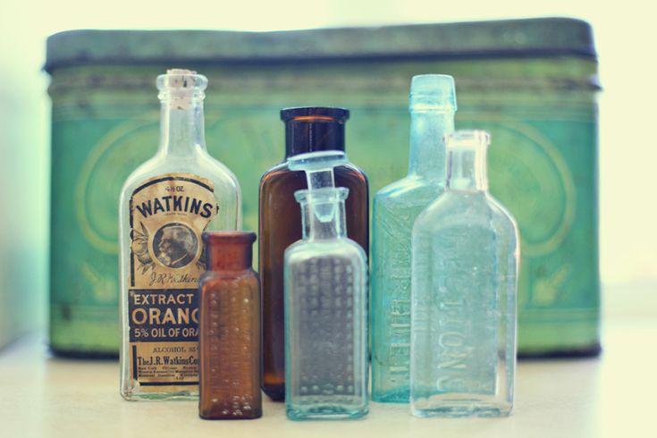decorate with antique glass bottles » Lukas & Suzy International Wedding Photographers