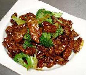 Kinesisk biff med broccoli och oystersause (ostronsås). Serveras med nykokt ris eller nudlar.