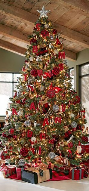 Large Traditional Tree decorated with lots of lovely, sparkly ornaments...beautifully done