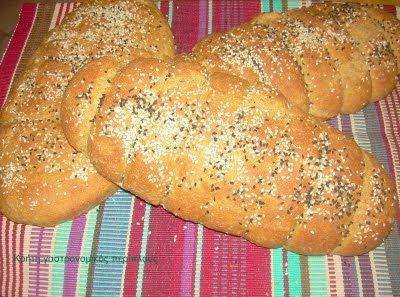 Κρήτη:γαστρονομικός περίπλους: Εφτάζυμο (φτάζυμο)  ψωμί και παξιμάδι