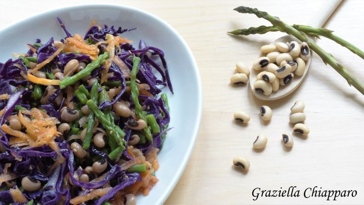 Salad with red cabbage, asparagus and kidney beans