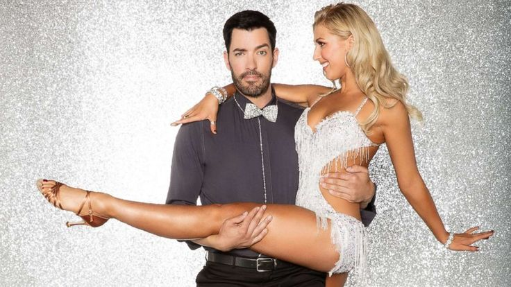 "Drew Scott, the star of the home improvement reality TV show ""Property Brothers,"" will compete on season 25 of ""Dancing With the Stars.""   Scott was the first celebrity to be revealed for the upcoming season of ""DWTS."" The popular real estate agent, known... - #1St, #Brothers, #Celebrity, #Drew, #Property, #Scott, #Star, #TopStories"
