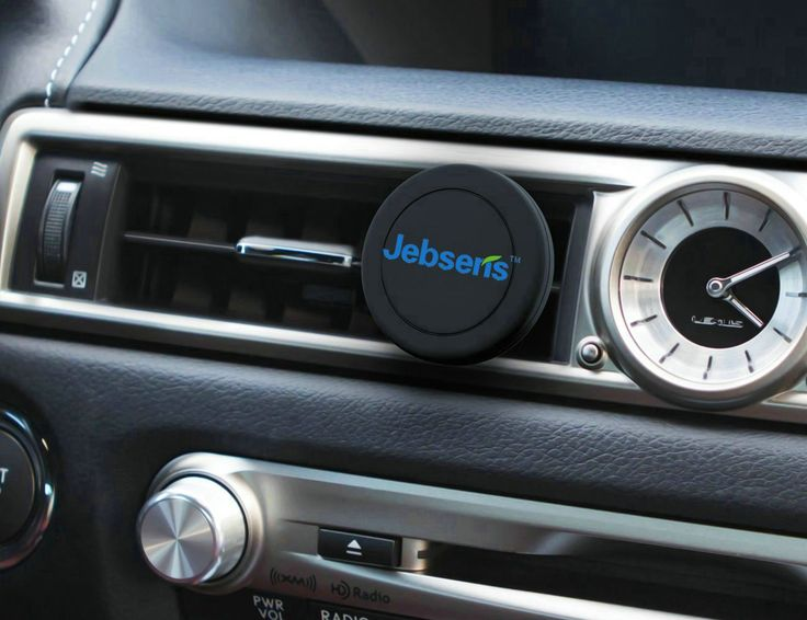 Keep your smartphone handy in the car with no hands at all by using the Jebsens CA02 magnetic smartphone car mount.
