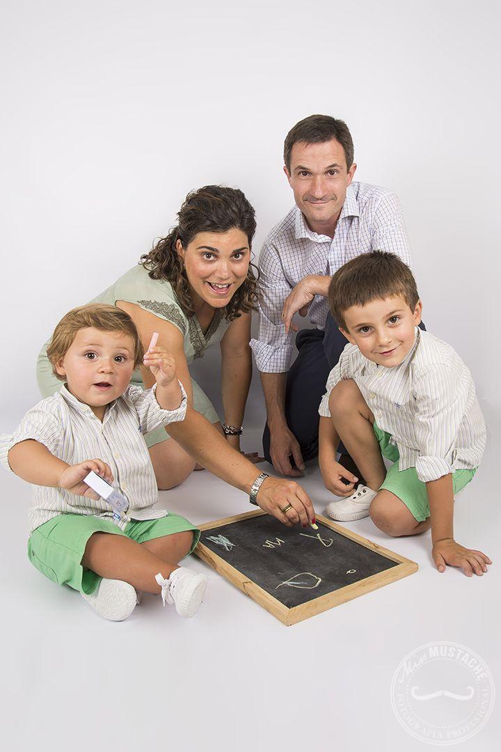 Fotografía familia   Sesión fotos hijos   Fotos en estudio