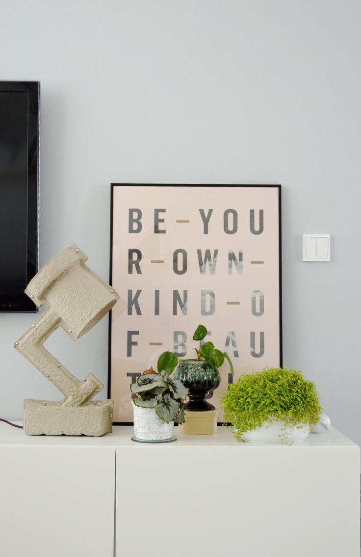 25 beste idee n over lichtgrijze verf op pinterest lichtgrijze muren grijze verfkleuren en - Verf haar woonkamer ...