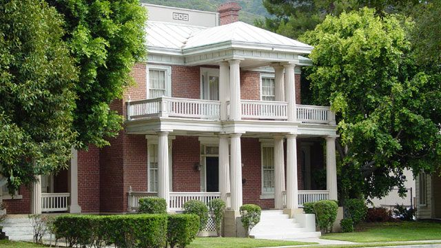 Gilmore Girls House twickham house | gilmore girls | pinterest | stars hollow