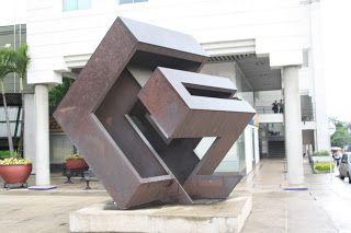 Eduardo Ramirez Villamizar. Escultor colombiano - Lamina de hierro. Abstracción geométrica. Fecha de realización 1970.