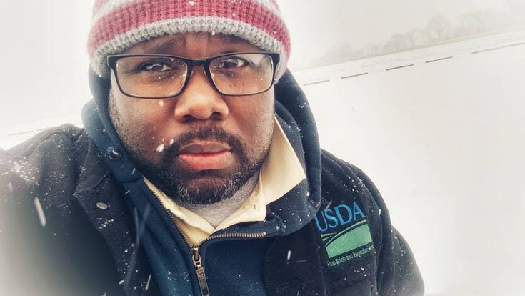 When the road gets cold.....we get colder...I don't know what that means..but actually it's about to get warmer with a hot cup of coffee !.. Protecting America is my business...rain ice  sleet  or snow.... let's go   #snow #ice #veterinarian #publichealth #publichealthveterinarian #usda #sleet #vetlife #america #drgregshaw #dedication #impactfoodsafety #usdafsis #iimpact