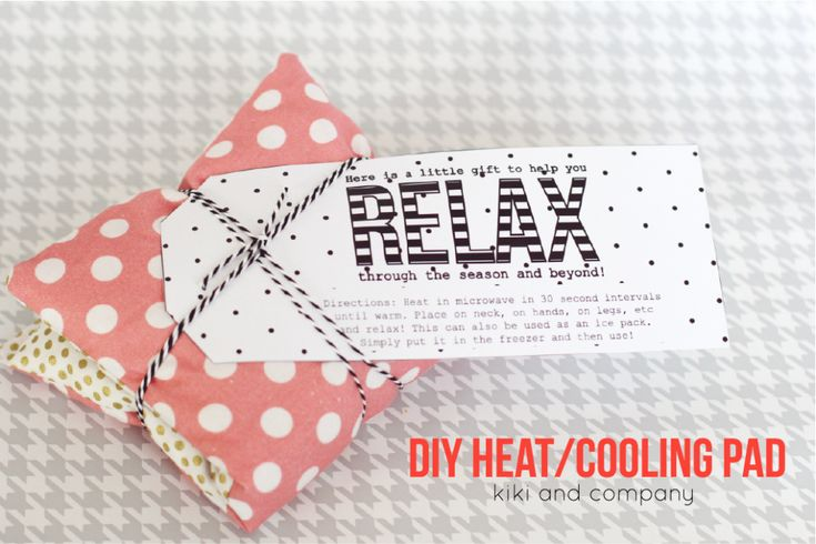 DIY Heating/Cooling Pad::Bloggers Best 12 Days of Christmas Gift ideas | Neighbor Gifts