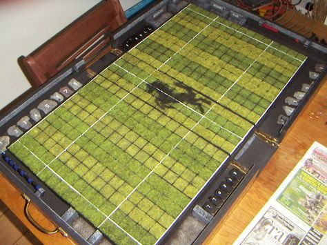 A cool portable pitch how-to for Blood Bowl.