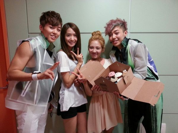 Girls' Generation's YoonA & Hyoyeon support Tasty by bringing them cupcakes