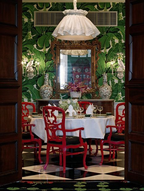 This vignette from the Cottage Restaurant at the Grand Hotel on Mackinc Island, Michigan is clearly my idea of aesthetic perfection! How have I never been here? Interiors by Carleton Varney of Dorothy Draper, Inc obvi (of Greenbrier fame too).