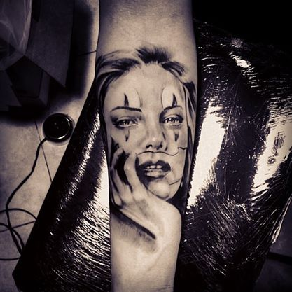 tattoo chicano stile inspired by Charlize Theron. tattoo artist Armando di sotto #iltatuaggio #instatattoo #ildilatatore #tatuaggio #tattooartist #themostpopularitalianinkandpiercingblog #inked #inkedmag #bloodgabe #bodyart #design #realistictattoo #chicano #amazingink #art #tattooed #tattoo #napoli #NAPULITAN #blackandgrey #italian #tattooedannaked #portraittattoo #armandodisotto #statues