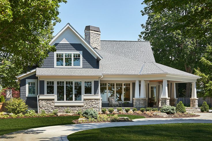 Craftsman Style House Plan - 4 Beds 3.50 Baths 3797 Sq/Ft Plan #928-304 Exterior - Front Elevation