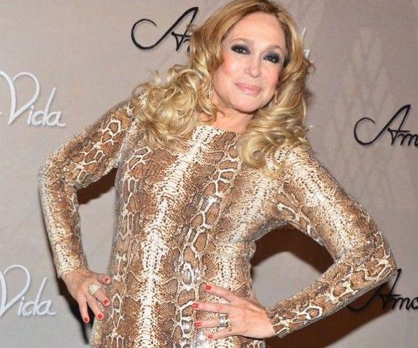 Mega hair de queratina: http://www.donachique.com.br/queratina
