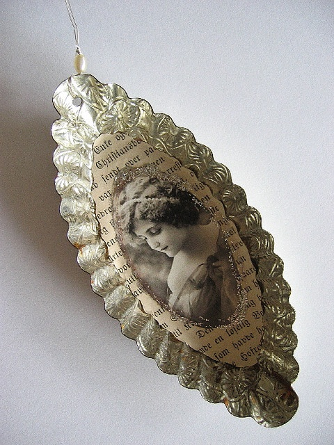 Pretty vintage cake mold ornament by Tina Jensen.