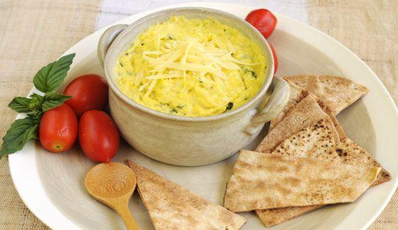 Dip de Pastelera, con sabroso choclo y albahaca fresca.