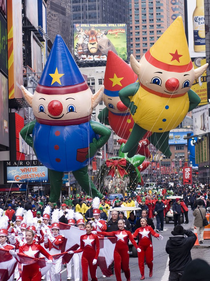 To see the Macy Thanksgiving Day Parade with my whole family!! *
