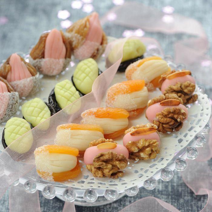 Découvrez la recette Fruits déguisés à la pâte d'amande sur cuisineactuelle.fr.