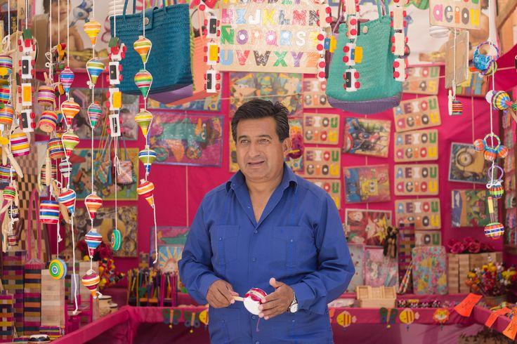 Antojitos, artesanías, joyas y mucha cultura oaxaqueña es lo que encontraras en el área peatonal de la Alameda, esta exhibición estará hasta el 11 de junio, en el gran cierre, donde vendrán a colaborar más de 100 personas en esta celebración de la Guelaguetza. Con un grupo de niños dirigido por el maestro …