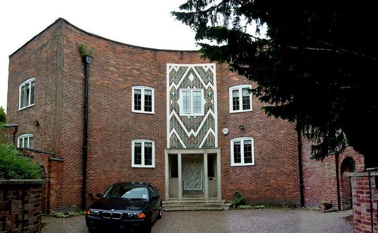 Royd House, Hale, Cheshire.  Photo by David Morris