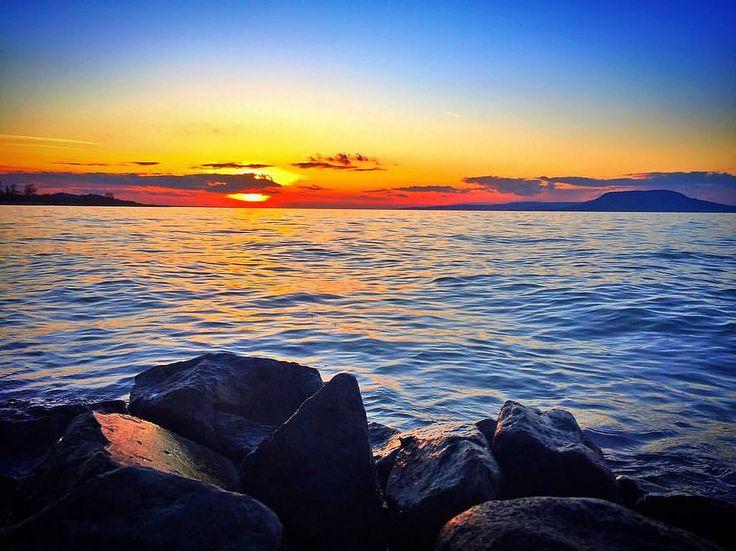 https://flic.kr/p/Dv4A4i | #skyporn #sky #beautiful #silhouette #view #iphone #instsgo #instacool #instagood #instalike #lifeisgood #sunset #sunlight #sundown #sun #balaton #lake #bestoftheday #picoftheday #balatonboglár #badacsony