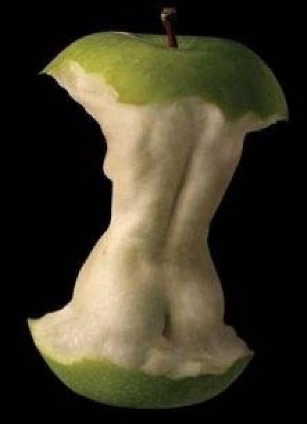 Jamais un trognon de pomme n'aura été aussi sensuel