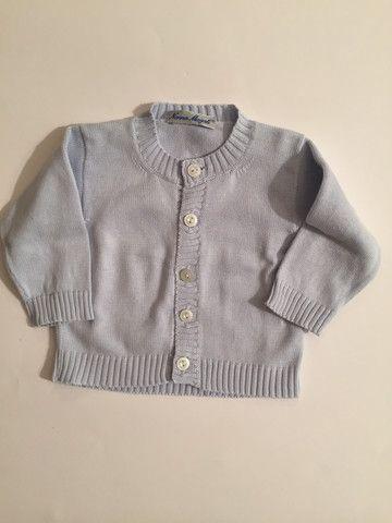 CARDIGAN AZZURRO COTONE; Nonna Magali; 3 mesi; 12€ http://hipmums.it/products/cardigan-azzurro-cotone-1
