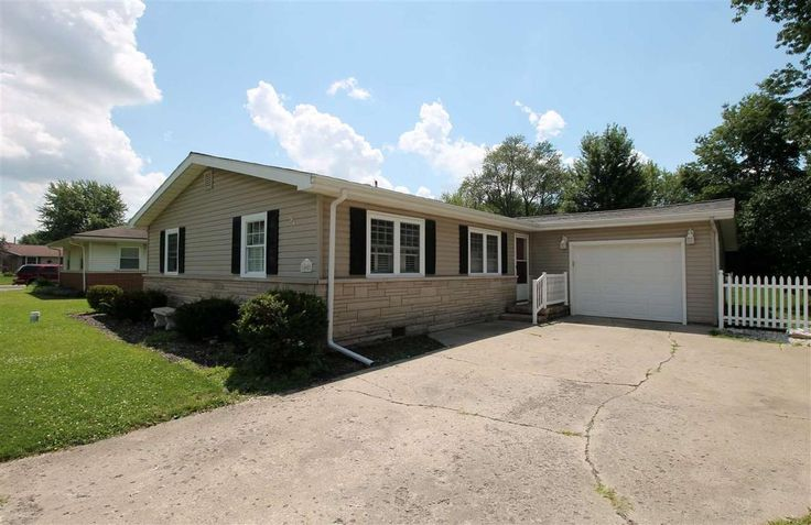 405 N 6th, Gas City, IN 46933 Great Location!! This home offers 4 bedrooms, one and half bath and kitchen that opens up to a large family room. Wonderful yard to host cookouts this summer.  Check this one out.