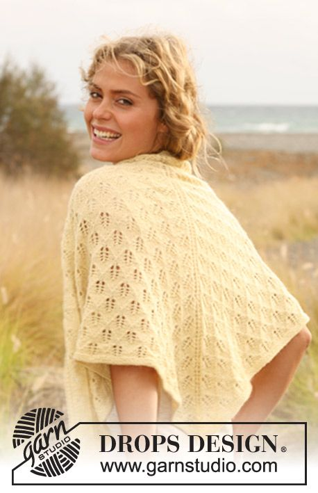 """Knitted DROPS shawl with lace pattern in """"Alpaca"""""""