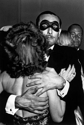 Robert Capa. love.