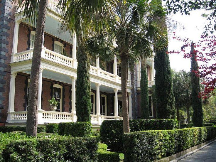 Southern Mansions: Calhoun Mansion - Charleston, South Carolina - marttj @ flickr - Pixdaus