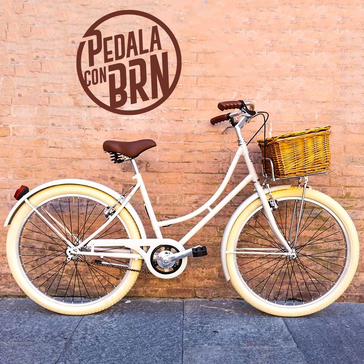#baaw #inspired #bikedesign #cyclegram #cycle #cycling #roadie #fixies #fixedgear #singlespeed #instacycle #urban #street #tag #murales #brn #streetstyle #woman #frame #wicker #basket MORE BIKES ON WWW.BRN.IT