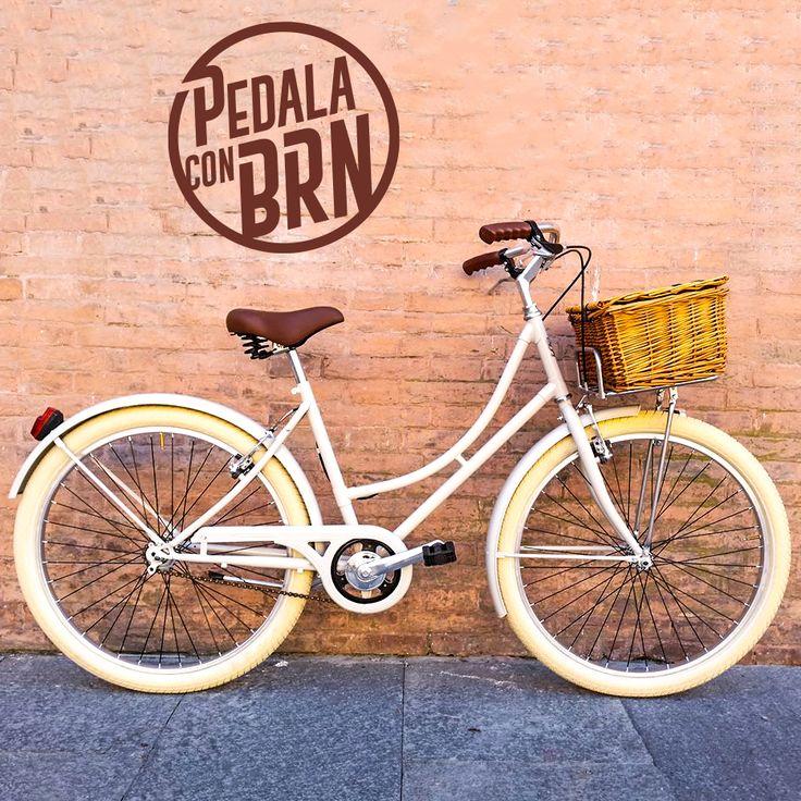 #baaw #inspired #bikedesign #cyclegram #cycle #cycling #roadie #fixies #fixedgear #singlespeed #instacycle #urban #street #tag #murales #brn #streetstyle #woman #frame #wicker #basket MORE BIKES ON WWW.BRN.IT