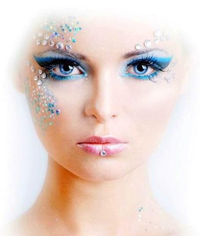 halloween big eye makeup