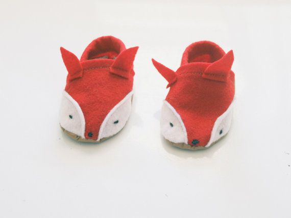 Baby Fox Shoes van Blueberriesforcall op Etsy, $20.00