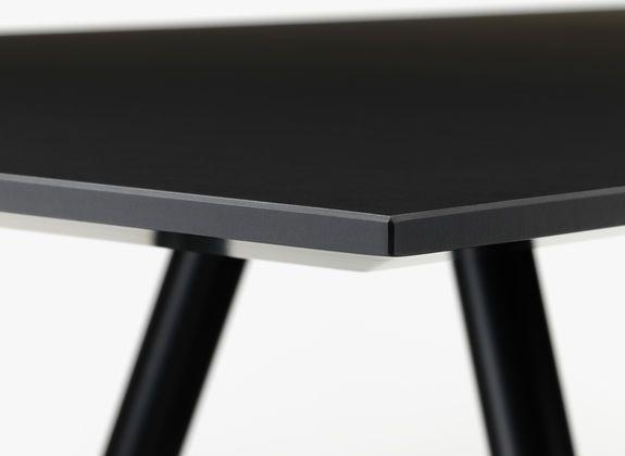 A Table vitra