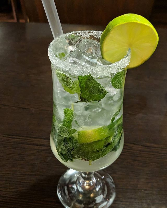 Check Out This Super Refreshing Classic Mint Mojito With A Touch Of Lime From Thegourmethut Looks So Delicious And Reminds Me Of Summer To Read The Full Revie