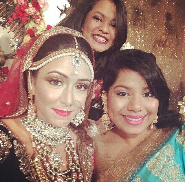 Bangladeshi bride shifa mamoon red wedding lehenga