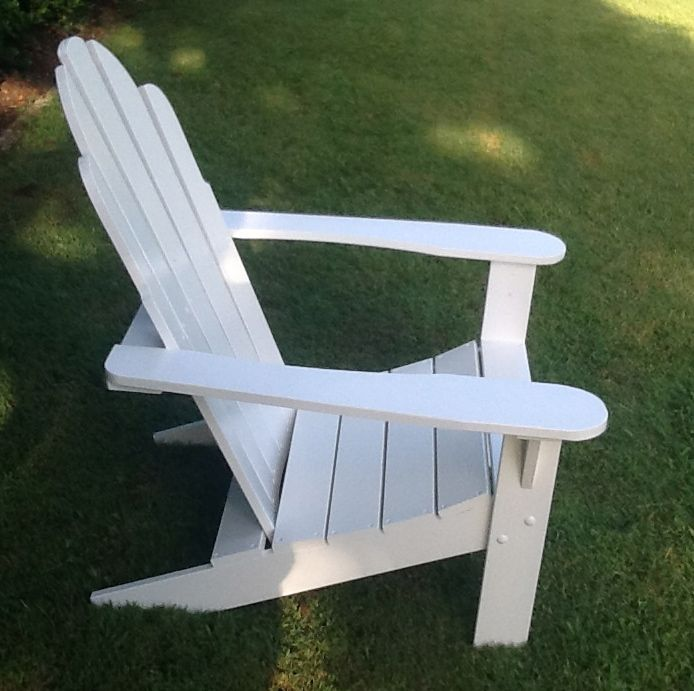 Modern Hampton Chair, hamptonchaircompany.com.au supplies handcrafted Adirondack chairs, in 2 styles, planter boxes and accessories. Fantastic!