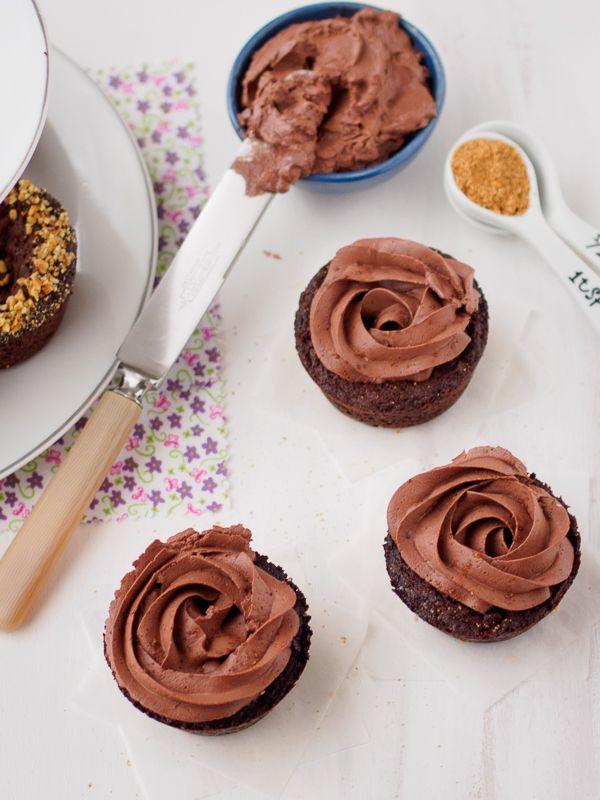 Vegan Chocolate Brownie Cups with Vegan Chocolate Frosting #glutenfree #eggfree #lactosefree #vegan