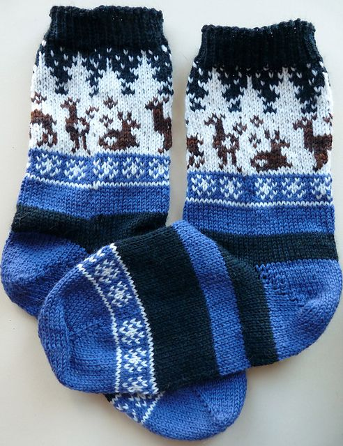 Ravelry: zukiknits' Snowglobes, no pattern for sock. Stripes are nice. For idea