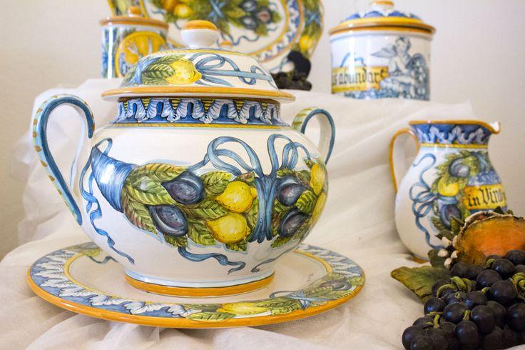 Soup tureen. Hand-made ceramics by Artesia Ceramica.