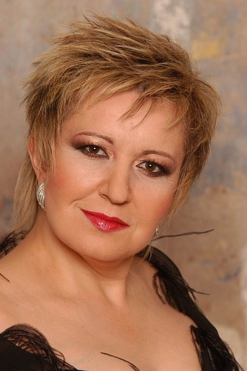 Eva Urbanová - soprano opera singer