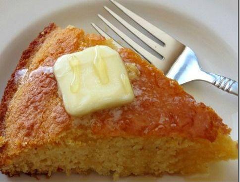 Κέικ με μέλι για ένα υγιεινό, εύκολο, γρήγορο και οικονομικό πρωινό! Τι θα χρειαστείς 1 φλιτζάνι αλεύρι 1 φλιτζάνι καλαμποκάλευρο 1 φλιτζάνι μέλι 1 κουταλάκι του γλυκού αλάτι 3 ½ κουταλάκια του γλυκού μπέικιν πάουντερ 1 αυγό 1 φλιτζάνι γάλα 1/3 του φλιτζανιού ελαιόλαδο Πως θα το φτιάξεις Προθέρμανε τον φούρνο στους 200 βαθμούς. Άλειψε [...]