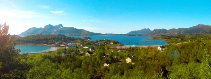 A view of my neighborhood. (Meløy, Northern Norway) - Imgur