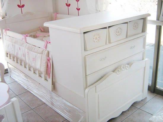 cuna blanca en linea provenzal con rosas madera tallada blanca y decapada - Cunas Blancas